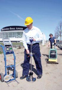 Prueba móvil de compactación de suelos con deflectómetro de impacto dinámico portátil-208x300